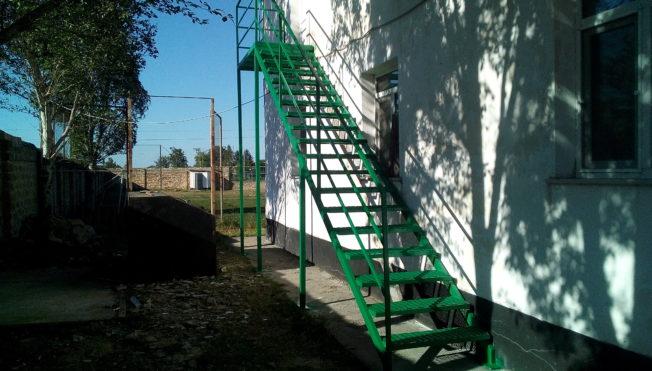 Эвакуационные пожарные лестницы